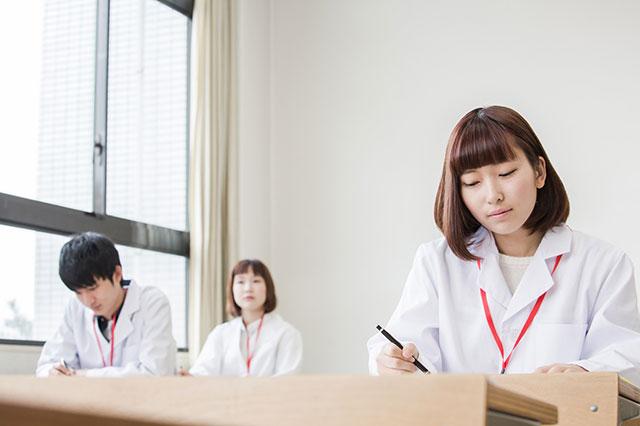 入学できたけれど~看護師の国家試験の難易度は?