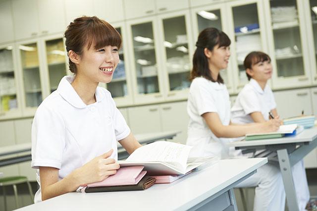 看護師になりたい~最短で国家資格を取得する方法は?