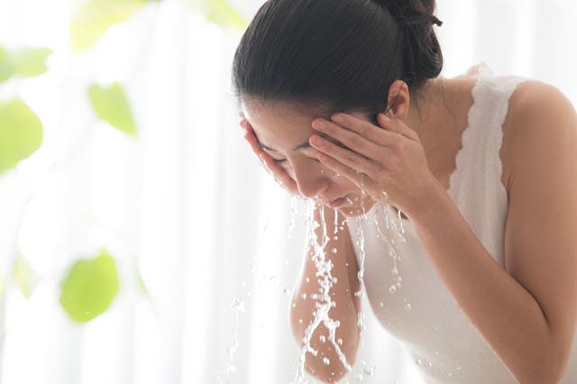 ナースの感染対策には手洗いだけでなく顔洗いも