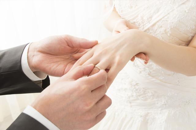 看護師の結婚報告に最適なタイミングは?